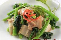 Cách làm đọt bí xanh xào thịt ba chỉ dân dã mà thơm ngon thanh đạm đổi vị cho bữa cơm hằng ngày
