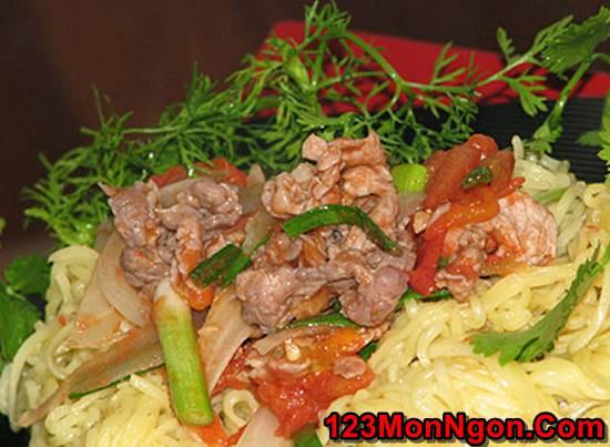 Cách làm mì trứng xào thịt bò thơm ngon bổ dưỡng đổi vị cho bữa cơm hằng ngày