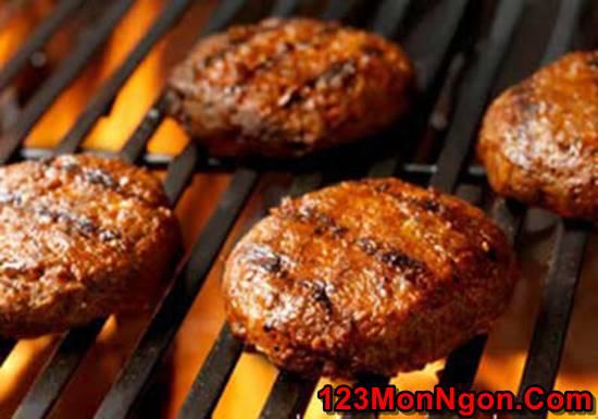 Cách làm món bánh Hamburger sốt sữa chua đặc biệt thơm ngon hấp dẫn cho bữa sáng phần 3