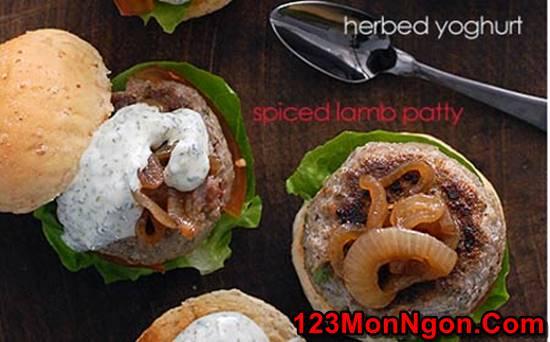 Cách làm món bánh Hamburger sốt sữa chua đặc biệt thơm ngon hấp dẫn cho bữa sáng phần 7