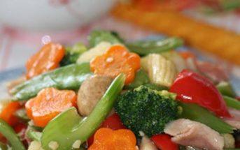 Cách làm món rau xào thập cẩm đẹp mắt thơm ngon đủ chất cho bữa cơm tối đơn giản của gia đình