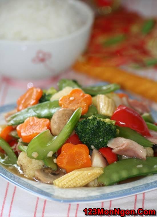 Cách làm món rau xào thập cẩm đẹp mắt thơm ngon đủ chất cho bữa cơm tối đơn giản của gia đình phần 1