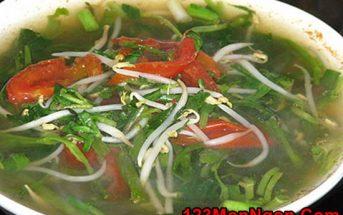Cách nấu canh chua rau muống thanh mát giòn ngon thật hấp dẫn cho bữa cơm ngày trưa hè