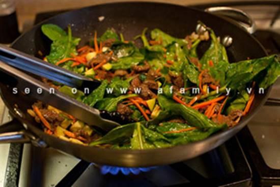 Cách làm món bò xào rau củ kiểu Hàn Quốc ngon lạ thật hấp dẫn đổi vị cho cả nhà phần 8