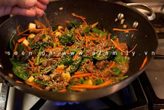 Cách làm món bò xào rau củ kiểu Hàn Quốc ngon lạ thật hấp dẫn đổi vị cho cả nhà phần 9