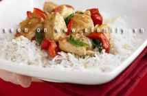 Cách làm món gà xào ớt chuông kiểu mới đơn giản mà thơm ngon cho bữa cơm gia đình