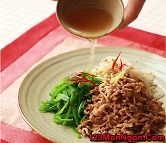 Cách làm thịt lợn trộn chua ngọt kiểu Hàn Quốc mới lạ thơm ngon thay đổi thực đơn hằng ngày phần 2