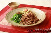 Cách làm thịt lợn trộn chua ngọt kiểu Hàn Quốc mới lạ thơm ngon thay đổi thực đơn hằng ngày