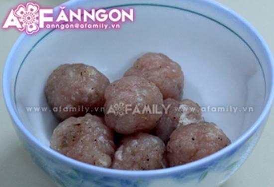 Cách nấu canh thịt viên chua ngọt thanh mát thơm ngon cho bữa cơm ngày hè oi ả phần 5