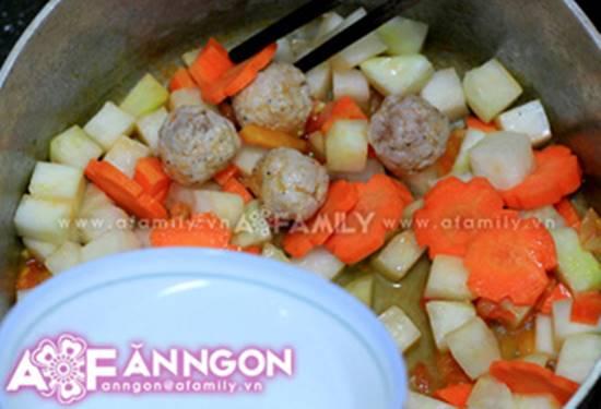 Cách nấu canh thịt viên chua ngọt thanh mát thơm ngon cho bữa cơm ngày hè oi ả phần 7