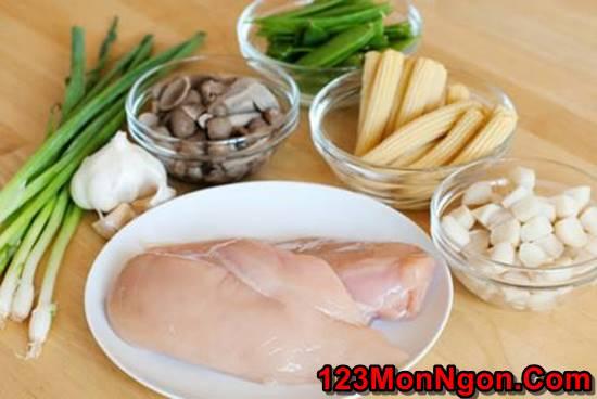 Công thức làm món thịt gà xào rau củ bắt mắt thơm ngon hấp dẫn cho bữa cơm hằng ngày phần 1