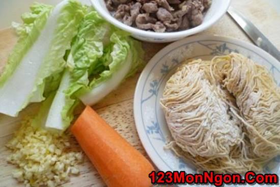 Cách làm mì xào thịt bò thơm ngon hấp dẫn bổ dưỡng ngày cuối tuần phần 2