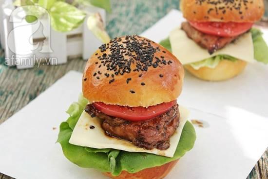 Cách làm bánh Hamburger gà thơm ngon hấp dẫn cho bữa sáng đủ chất phần 1
