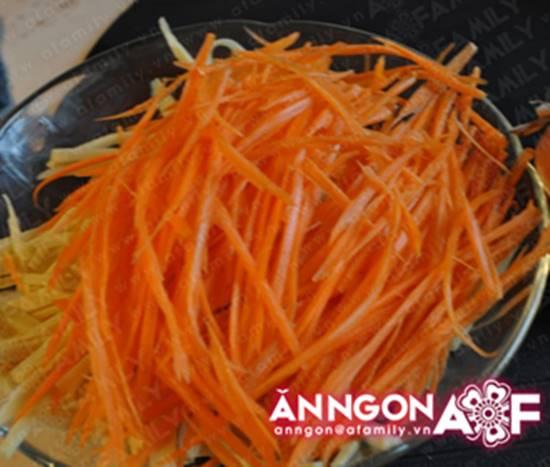 Cách làm món gỏi măng tôm thịt chua ngọt thơm ngon chống ngán ngày Tết phần 5