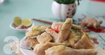 Cách luộc gà nhanh gọn mà thơm ngon hấp dẫn bằng nồi cơm điện