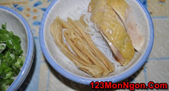 Cách nấu bún măng gà đậm đà thơm ngon khó cưỡng cho bữa sáng phần 8