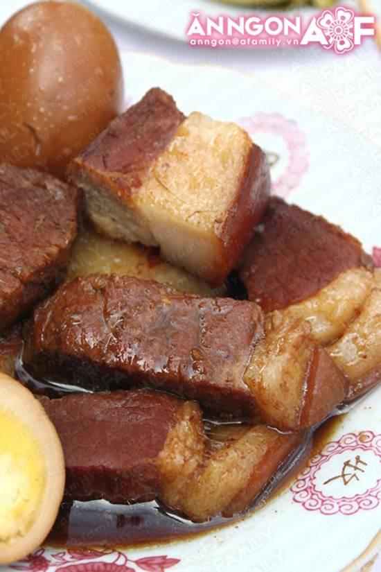 Cách làm món thịt heo kho trứng quen thuộc hấp dẫn cực ngon cho ngày Tết phần 13