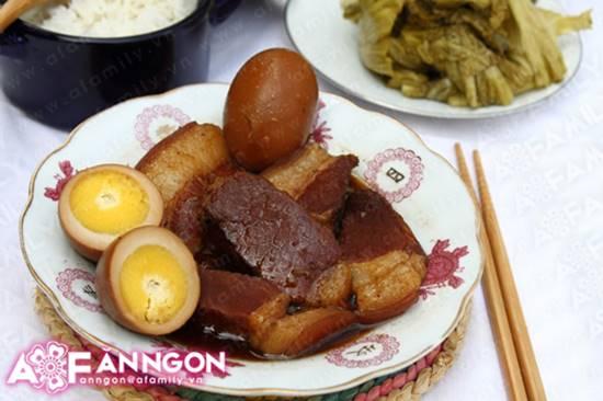 Cách làm món thịt heo kho trứng quen thuộc hấp dẫn cực ngon cho ngày Tết phần 14