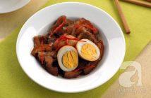 Cách làm thịt heo quay kho trứng đậm đà thơm ngon cho bữa cơm tối