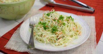 Cách làm món bắp cải trộn nhanh gọn mà vẫn giòn ngon hấp dẫn