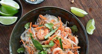 Cách làm món bún trộn tôm đơn giản thơm ngon cho bữa trưa nhanh gọn