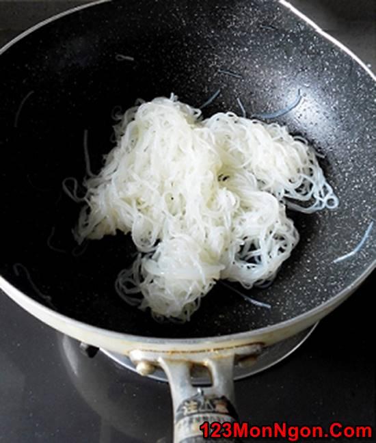Cách làm món bún xào chay thơm ngon hấp dẫn cho ngày Rằm phần 5