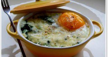 Cách làm món rau chân vịt chần trứng thơm ngon bổ dưỡng