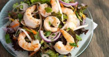 Cách làm món salad tôm kiểu Thái chua cay hấp dẫn ăn là ghiền