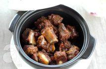 Cách nấu sườn kho tộ đậm đà thơm ngon cực đưa cơm ngày lạnh