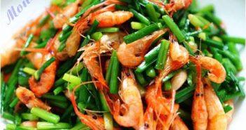 Cách làm tôm xào bông hẹ thanh mát bổ dưỡng cực ngon cơm