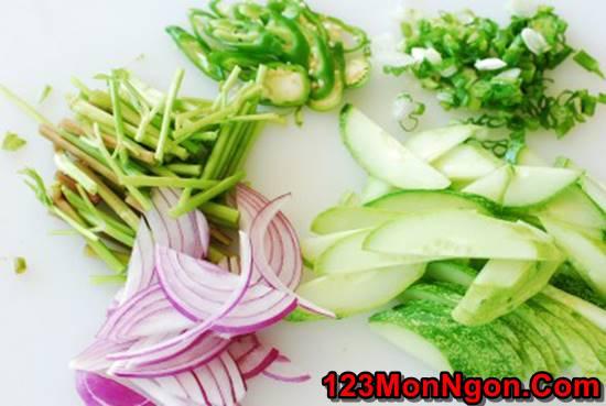 Cách làm món Salad mực kiểu Hàn Quốc thơm ngon bổ dưỡng cực hấp dẫn phần 3