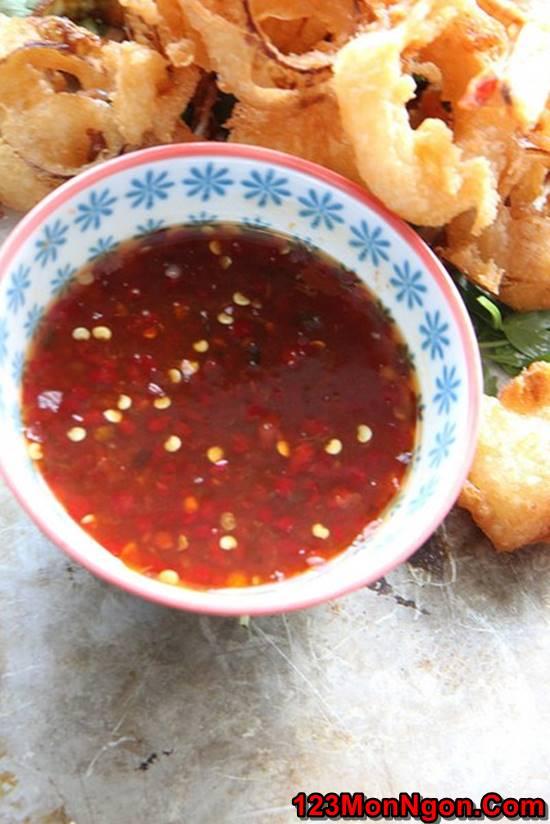 Cách làm món tôm chiên sốt chua ngọt nóng hổi lôi cuốn cho bữa cơm ngon ngày 8/3 phần 4