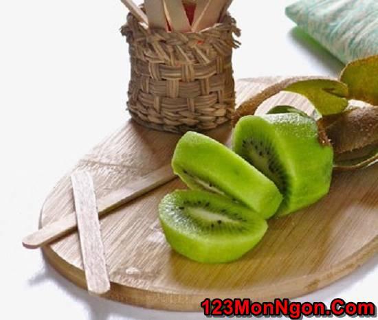 Cách làm kem kiwi bọc socola ngọt mát thơm ngon giải nhiệt ngày hè phần 3