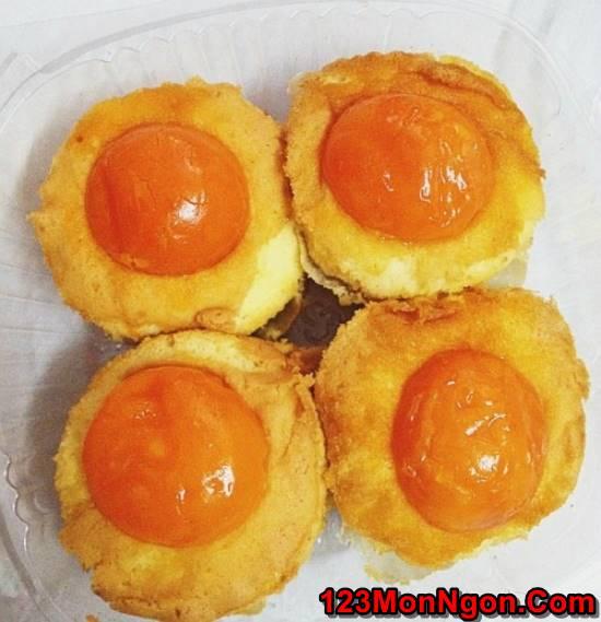 Cách làm bánh bông lan trứng muối cực ngon cực hấp dẫn nhìn là mê phần 7