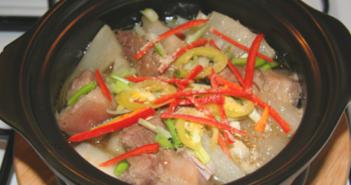 Cách làm món thịt lợn kho củ cải đậm đà thơm ngon đưa cơm ngày mưa