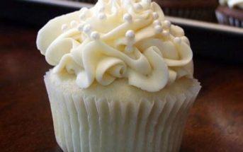 Hướng dẫn cách làm bánh bông lan kem mềm ngon mát lạnh khó cưỡng